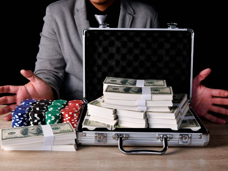 How much does it cost to open an online casino?